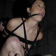 2 hotties face bondage and their fears for the first time.