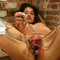 Electric speculum play with Ramona.