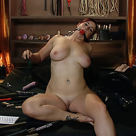 slave 33 ordered to fuck her dripping wet pussy with a hard machine pounding in a private one on one
