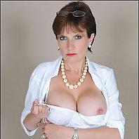 Nylons mature Lady Sonia leg cuffed