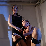 Sinead goes to see her Mistress Mandy with fear