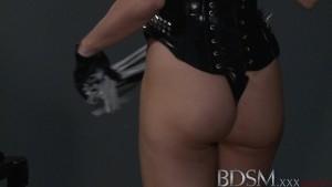 Bdsm xxx mistress jasmine gives silent sub a hard beating before orgasm
